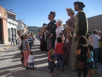 L'ambient de germanor marca la XIII Trobada de Gegants a Sant Pere Molanta