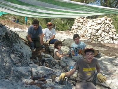 L'Arqueocasal posa al descobert sitges medievals al Conjunt monumental d'Olèrdola