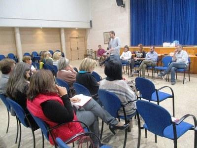 Moment de la primera audiència pública, celebrada a Sant Miquel