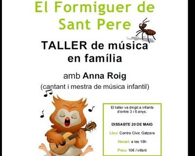 La cantant i mestra Anna Roig condueix a Sant Pere Molanta un taller de música en família