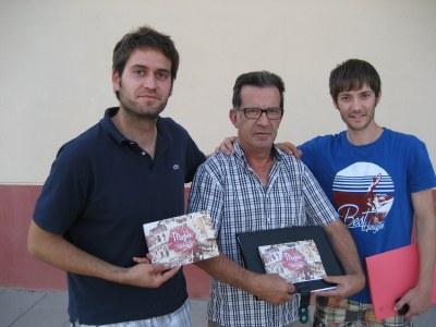 Lucas Ramírez, Xavi Puig i Jordi Massana mostren el programa de la FM de Moja