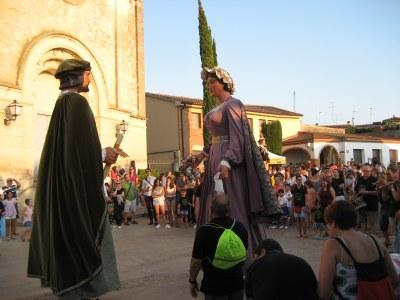 La cercavila de la Festa Major de Moja ha comptat amb els gegants de Sant Pere Molanta