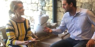 """La consellera Mariàngela Vilallonga qualifica de """"meravella"""" el Conjunt Monumental d'Olèrdola i fa una crida a visitar-lo"""