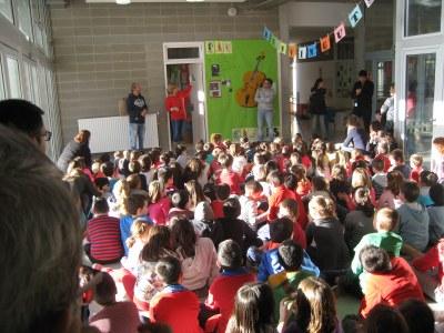 La Fira Solidària de l'escola Rossend Montané certifica el seu èxit