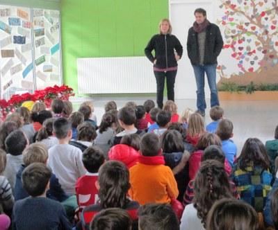 Augmenta la xifra d'aliments recollits per la Fira Solidària de l'escola Rossend Montané