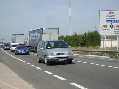 La Generalitat anuncia que l'any que ve farà el segon carril a la rotonda de la N-340 amb la C-15