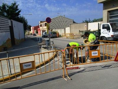 La millora de la xarxa d'aigües continua amb les obres al carrer Sant Roc de Sant Pere Molanta