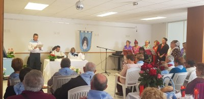 La missa rociera en honor a la Verge de Fàtima  i el dinar popular han centrat aquest dissabte la Festa de la Primavera a Can Trabal