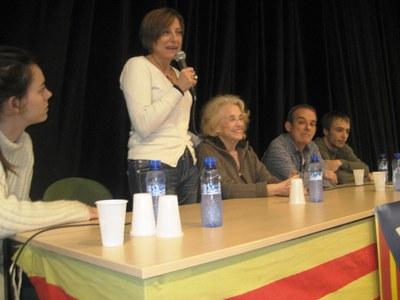 Carme Forcadell, intervenint, al costat de Montserrat Carulla