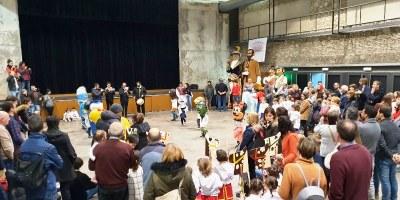 La representació teatral, el ball i l'exhibició dels balls folklòrics, entre les activitats més concorregudes de la Festa Major d'Hivern de Moja