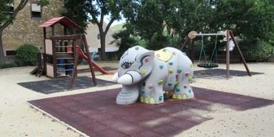 La setmana que ve començaran a Olèrdola els treballs de renovació dels parcs de jocs infantils