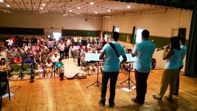 La Societat de Sant Pere obté la complicitat dels veïns amb el concurs de truites i el concert