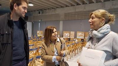L'alcalde, Lucas Ramírez; i la presidenta de la Mancomunitat, Rosa Huguet, han visitat aquest dimecres la Fira Solidària(foto: Mancomunitat)