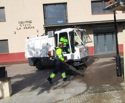 L'Ajuntament d'Olèrdola amplia en un 30% els serveis de neteja a la via pública