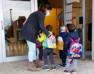 Les escoles d'Olèrdola ofereixen suport a les famílies per afrontar la preinscripció del curs 2021-22