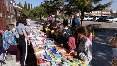 Les escoles protagonitzen a Olèrdola la celebració de Sant Jordi