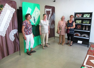 Les puntaires d'Olèrdola han mostrat aquest cap de setmana una selecció dels seus treballs en l'exposició bianual que ofereixen a Moja