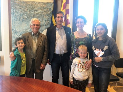 Luna Garbín, en la categoria infantil, i Ramon González, en la d'adults, guanyen el 4t concurs literari de Sant Jordi