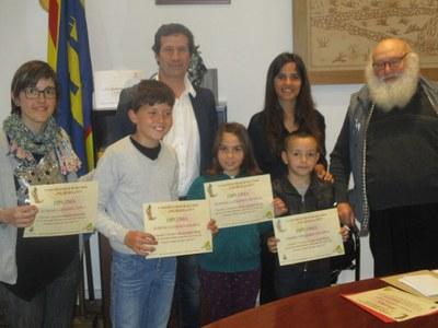 Manel Córdoba en la categoria d'adults i Amin Bouftilla en la d'infants guanyen el Concurs Literari