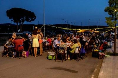 Més de 200 persones converteixen en un èxit de participació la Revetlla de Sant Joan a Moja
