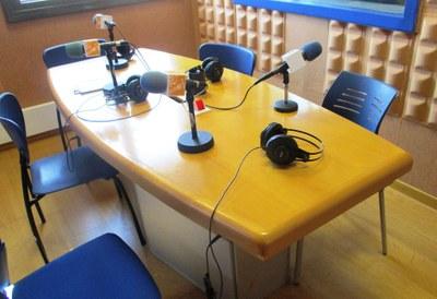L'emissora municipal de ràdio, Canal 20-Ràdio Olèrdola, havia proposat organitzar un debat amb els quatre candidats