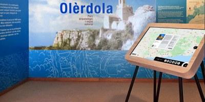 Olèrdola acull una de les tres taules interactives del nou servei digital d'atenció al visitant de Penedès Turisme