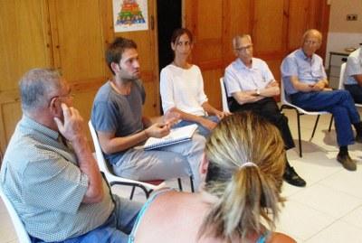 Participativa resposta dels veïns en les reunions per carrers convocades per l'alcalde