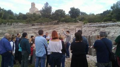 """Per la Trobada també es difonia el patrimoni amb la visita """"Olèrdola, 4.000 anys d' història """""""