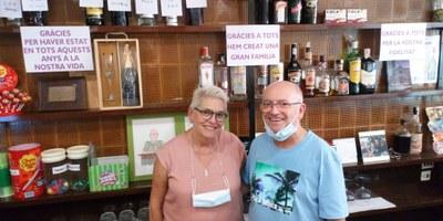 Pere Mitjans i Paqui Paredes es jubilen després de tota una vida laboral al Bar Avinguda de Moja
