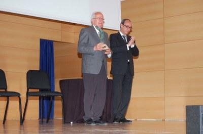 Pere Sadurní en el moment de rebre el premi