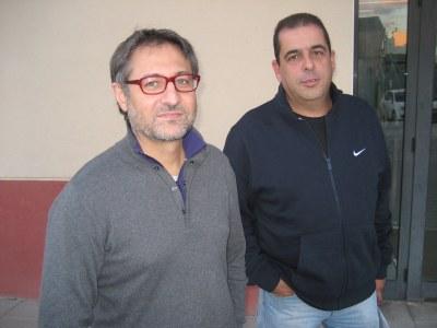 Xavier Serramià, regidor d'Ensenyament i Governació; i Marià Villanueva, agent municipal
