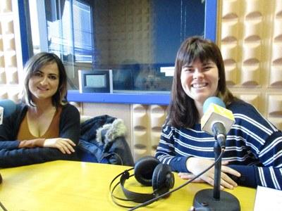 Maria Salom, educadora ambiental de la Mancomunitat, i Cristina Badell, tècnica de Medi Ambient de l'Ajuntament