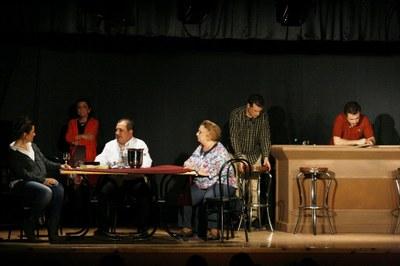 """Programa doble del grup l'Arrel aquest cap de setmana amb l'obra """"Un aire de família"""""""