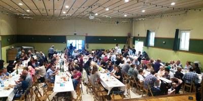 Prop de 170  persones es reunien diumenge en la paella de la Trobada Popular de Sant Pere Molanta