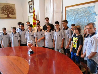 Recepció de l'Ajuntament a la selecció infantil, guanyadora del torneig comarcal de futbol-7