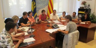 S'aprova l'organització de l'Ajuntament per aquest mandat municipal, amb crítiques de l'oposició per l'augment de sou de l'alcalde