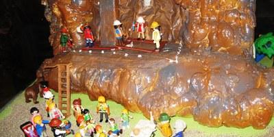 S'instal·la al castell d'Olèrdola una exposició de clicks de Playmobil