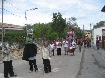 La cercavila reuneix balls de tots els pobles d'Olèrdola