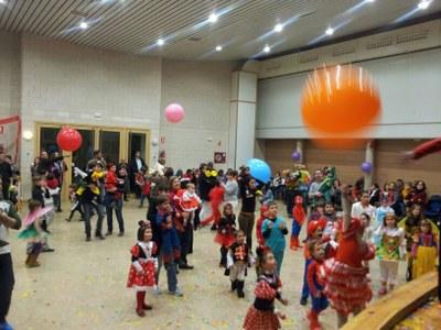 Sant Miquel ha celebrat el Carnaval amb sopar, ball i animació infantil