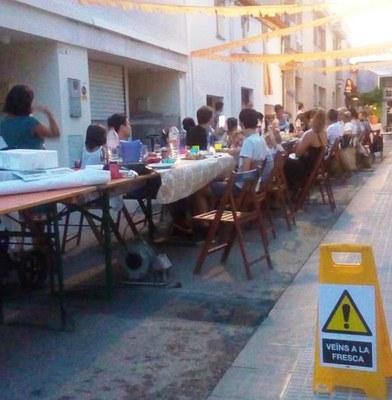 Sopar dels veïns del carrer Sant Pere de Sant Pere Molanta