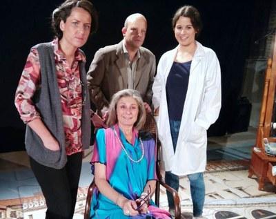 """Taller d'Assaig Teatre porta diumenge a Sant Pere Molanta """"L'aposta o almenys no és Nadal"""""""