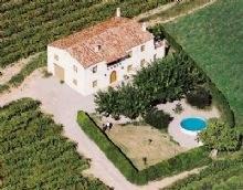 La Caseta de Dalt és un dels tres allotjaments d'Olèrdola associats