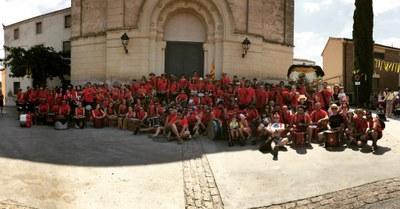 Un centenar de timbalers de 10 colles posaven ritme dissabte a la 18a Timbarada de Moja