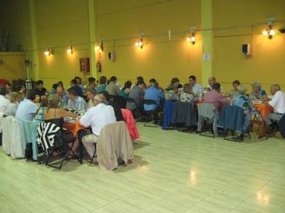 Un distés sopar de regidors i exregidors obria la Trobada d'Olèrdola