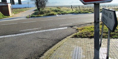 Un estudi de la Diputació proposa mesures de seguretat en els accessos a Sant Pere Molanta des de la carretera d'Olivella