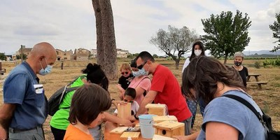 """Una cinquantena de persones participen en la jornada de sensibilització """"Cuidem el medi ambient"""""""