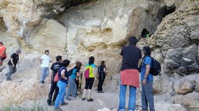 Visita gratuïta aquest dissabte a les coves de la Vall i als forns de calç de Can Castellví