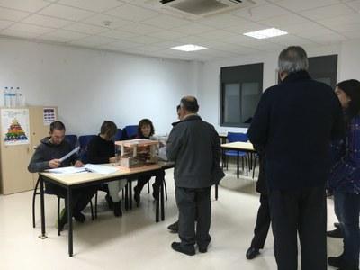 Un moment de la votació a Sant Pere Molanta