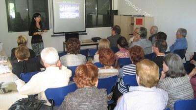 La doctora Meritxell Arenas, en una xerrada a Moja