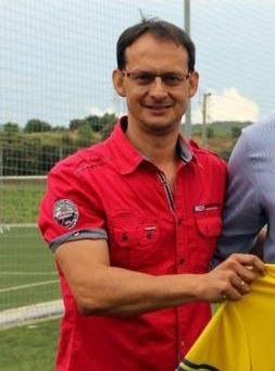 Manel Lora entrenador del Moja